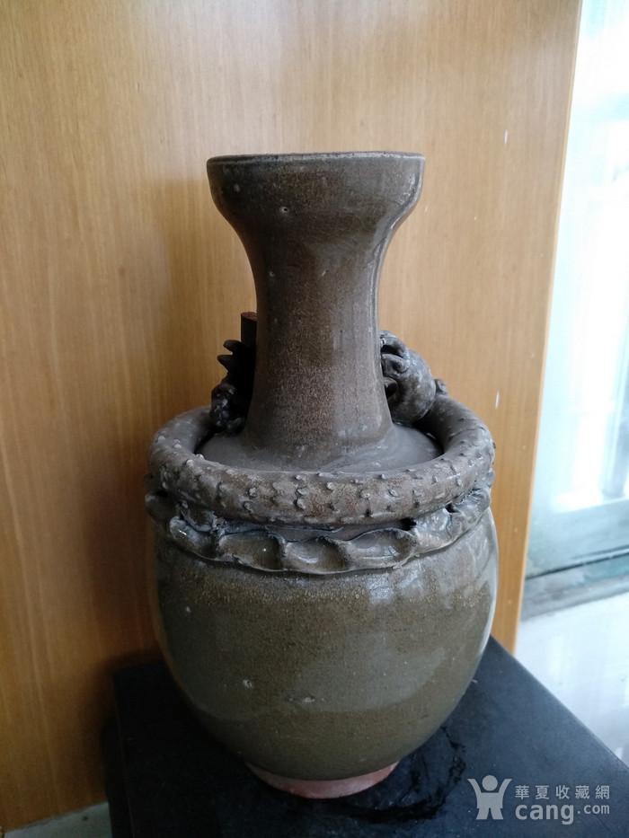 宋龙泉窑系盘龙瓶。高23Cm。图4