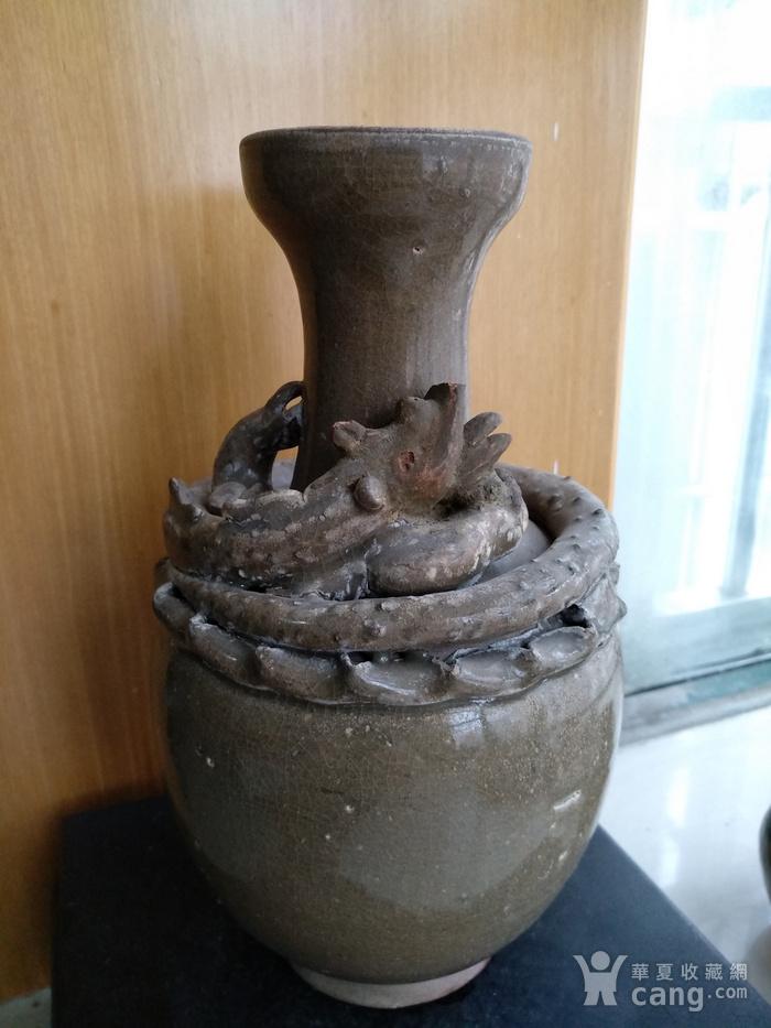 宋龙泉窑系盘龙瓶。高23Cm。图2
