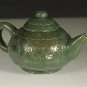 老和田碧玉精雕茶壶