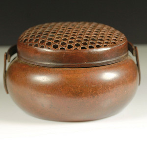 张鸣歧款铜暖手炉