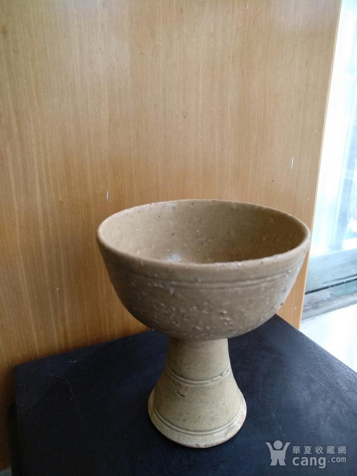 元 明青黄釉高足杯,高10.3Cm,口径9Cm。图3