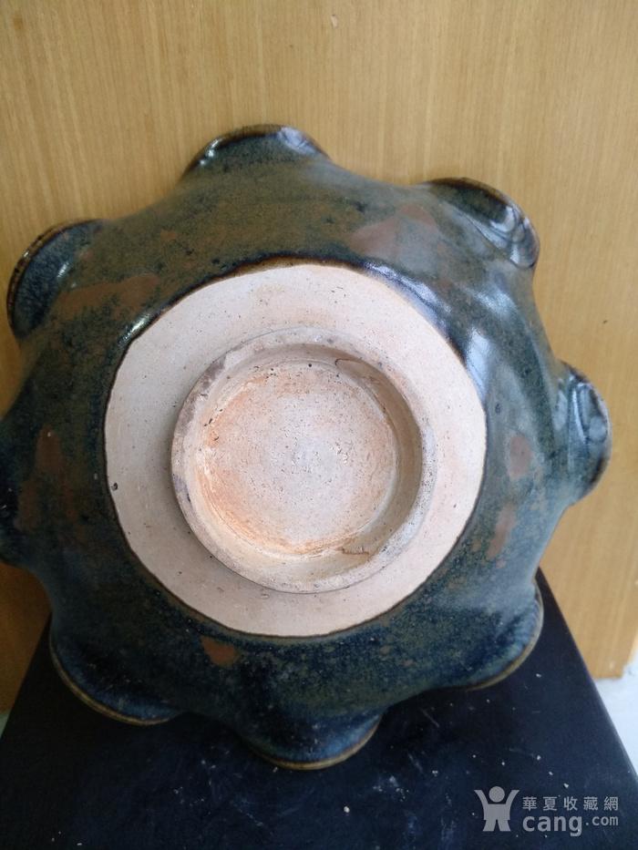 明,酱褐釉荷叶盘。径:18.5,高5.5Cm图5