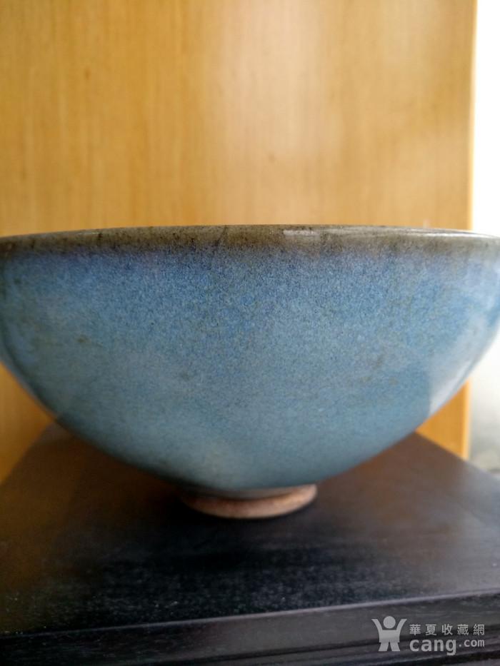 宋 元钧窑碗。口径17.5Cm,高85Cm。图2