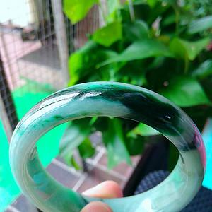 冰润飘绿宽边手镯