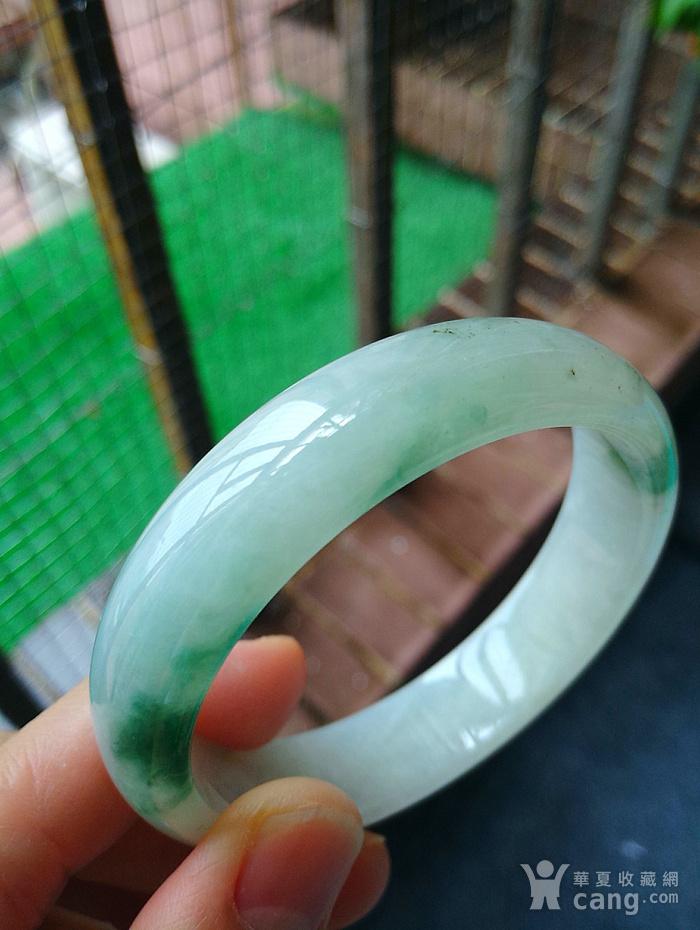冰润飘绿宽边手镯图8