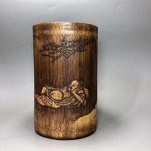 精品 清代竹雕笔筒一件