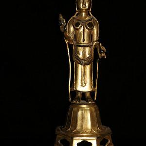 十八世纪藏传回流佛教精工老铜鎏金佛摆件