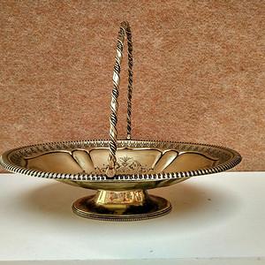 十九世纪英国造银质雕花掐丝提篮果盘 12