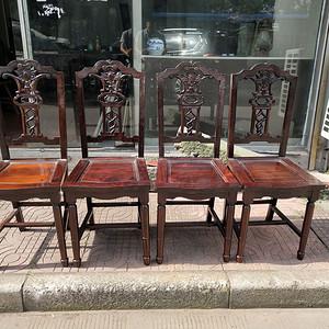 一套特别漂亮的红酸枝椅子