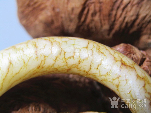 明 和田玉白玉 袈裟环 包浆熟润 沁色自然图5