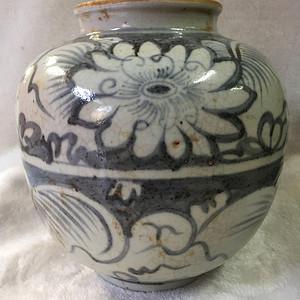 金牌  青花牡丹罐