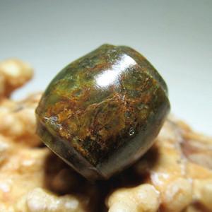 清 和田玉 籽料 束口鼓珠 玉质细腻 包浆老道 手感熟润