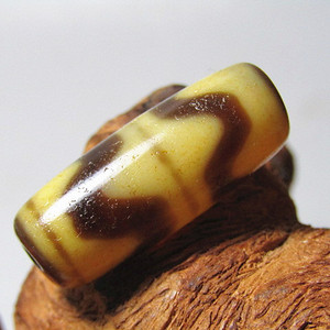 藏传玛瑙 水波纹 天珠 包浆滑熟