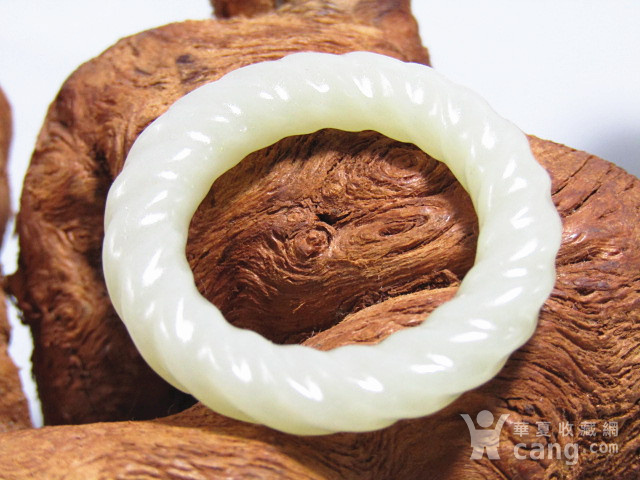 清 和田玉 旋转纹 袈裟环 包浆熟润图6