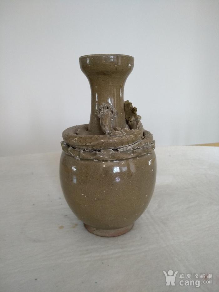 宋龙泉窑系盘龙瓶。高23Cm。图1