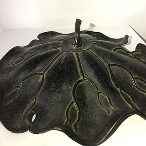 巨型荷叶铜雕
