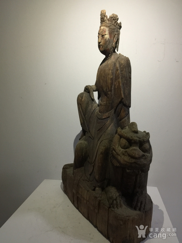 元代木雕骑吼观音图9