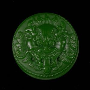 菠菜绿碧玉雕刻打磨瑞兽辟邪皮带扣