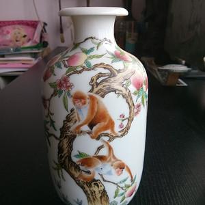 精致珐琅彩瓶