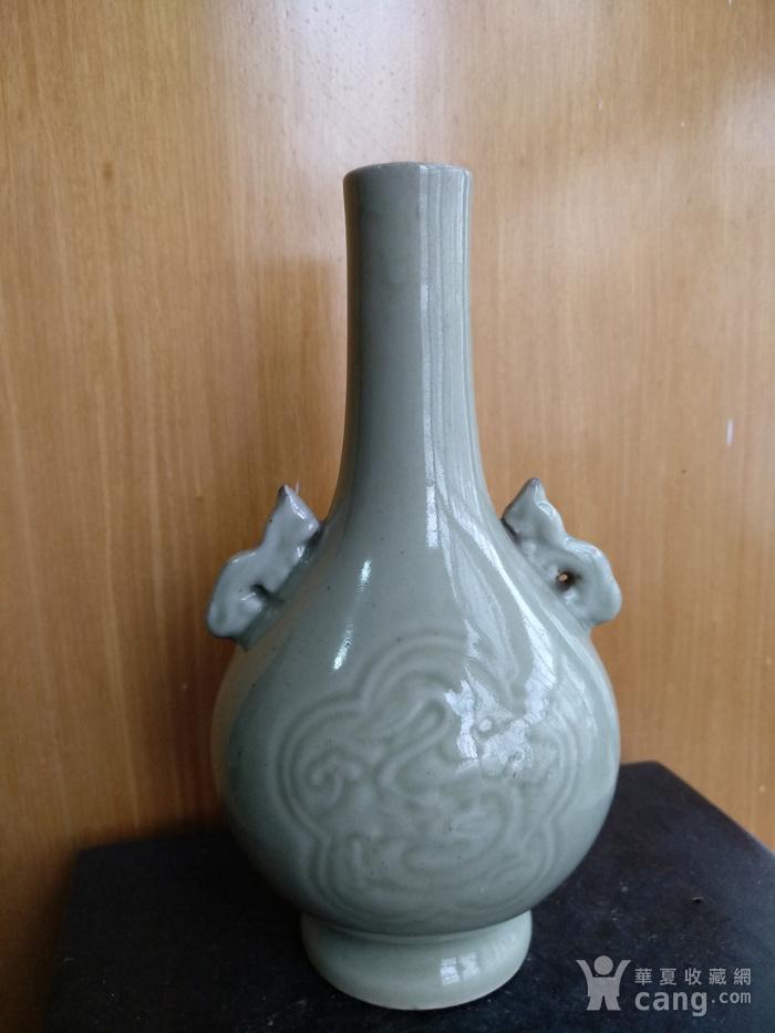 清晚 民国豆青釉暗花双耳天球瓶,高:17Cm图2