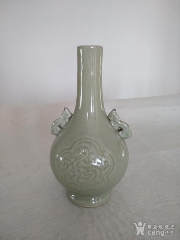 清晚 民国豆青釉暗花双耳天球瓶,高:17Cm图1