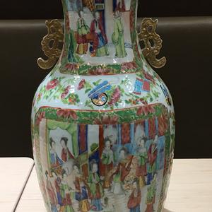 清中期精品广彩开光人物通景大花瓶