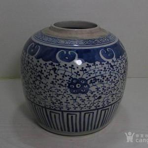 清早期青花缠枝莲纹大罐