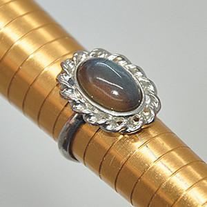 7.5克镶琉璃戒指