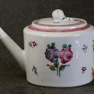 精品   清代乾隆福寿长青洋彩大茶壶