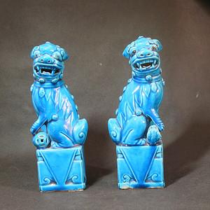 民国蓝釉瑞狮塑像