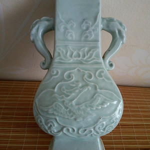 联盟 清晚青瓷印花双象耳方瓶