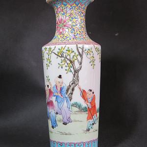 民国年少有为人物粉彩大瓶