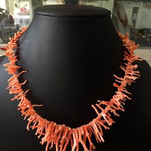 8027欧洲回流粉珊瑚枝随形毛衣链重约41克
