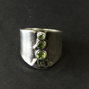 8033欧洲回流印第安老银嵌宝戒指