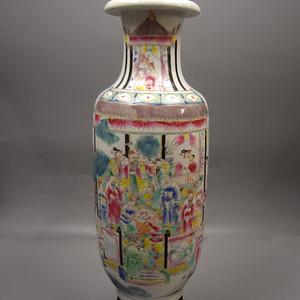 粉彩人物故事纹棒槌瓶