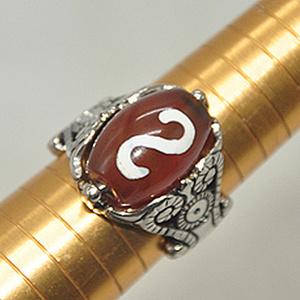 15克镶玛瑙戒指