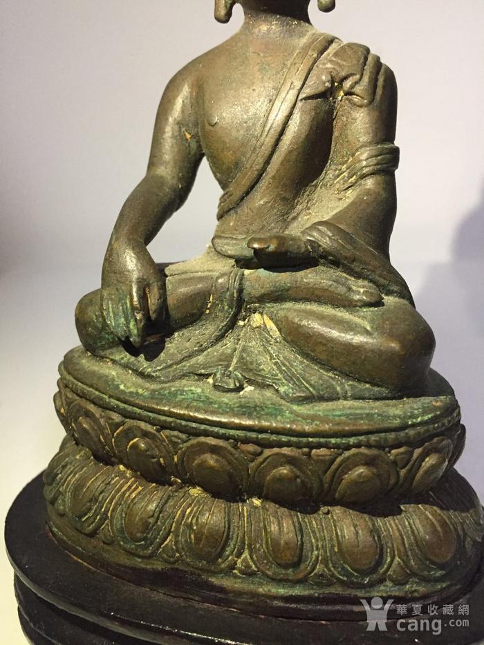 清代藏东风格铜雕佛祖图6