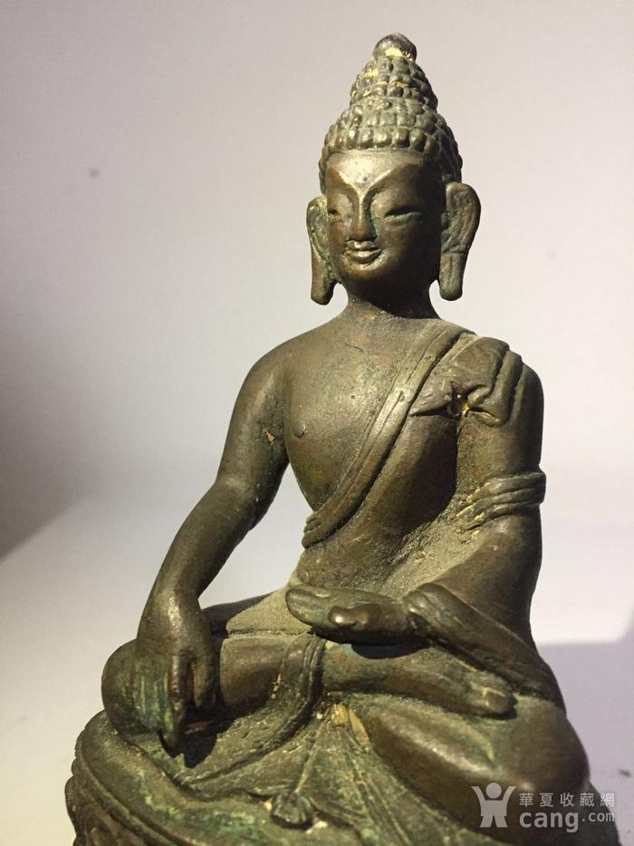 清代藏东风格铜雕佛祖图5