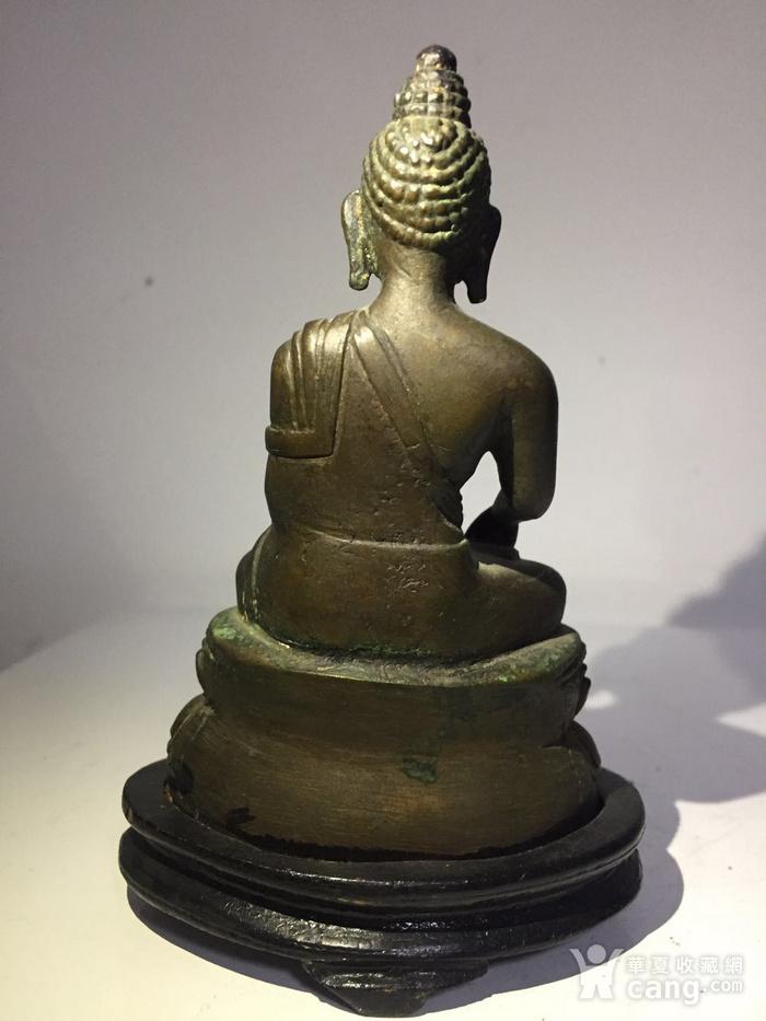清代藏东风格铜雕佛祖图4