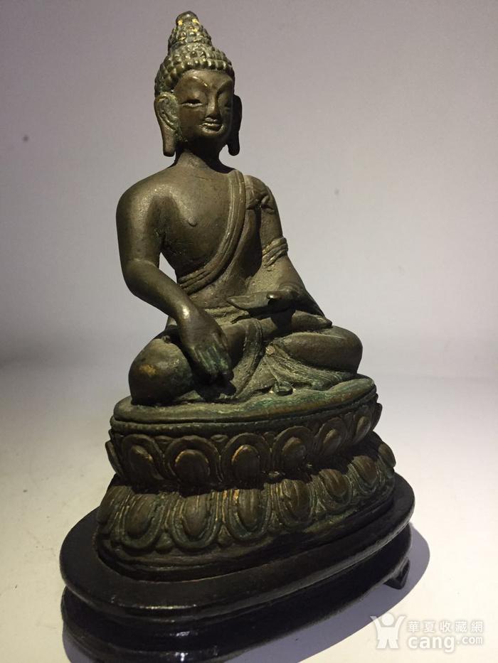 清代藏东风格铜雕佛祖图3