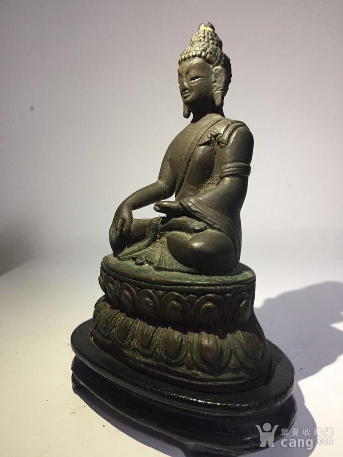 清代藏东风格铜雕佛祖图2
