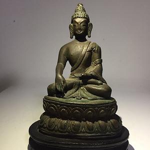 清代藏东风格铜雕佛祖