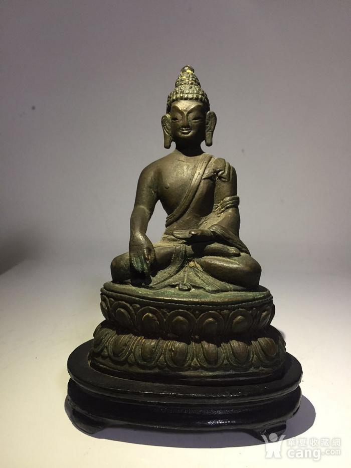 清代藏东风格铜雕佛祖图1