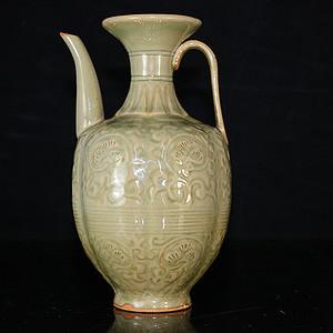 老耀州窑雕刻花卉卷草纹执壶