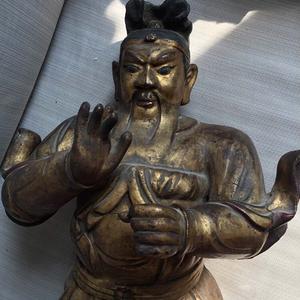 明代65厘米大型漆金关公木雕