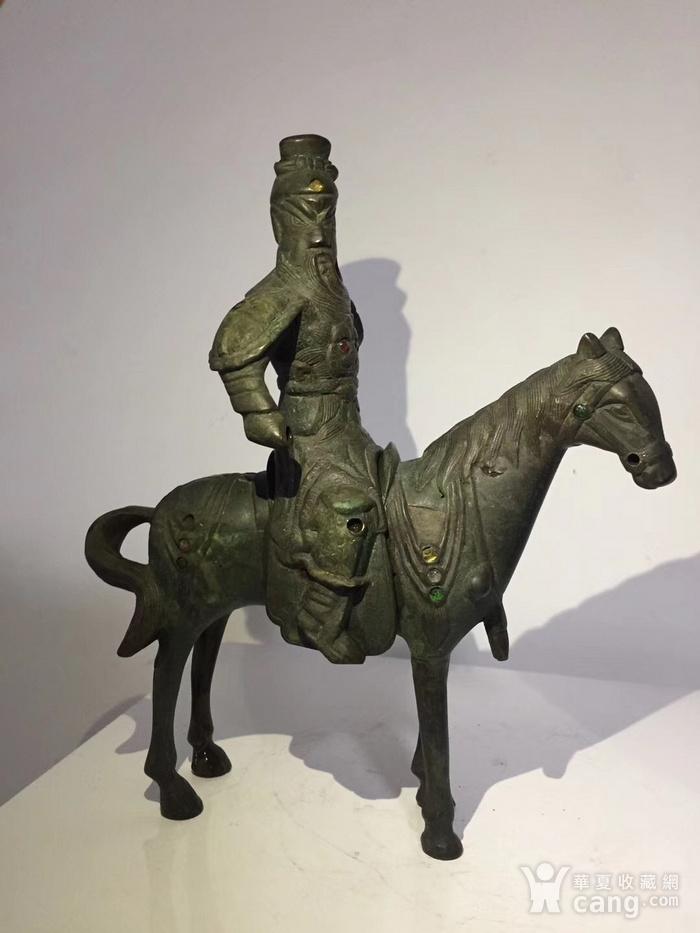 清代晚期铜雕嵌宝石骑马关公图2
