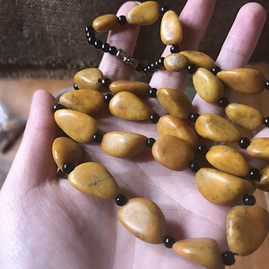 和田黄沁籽料原石项链