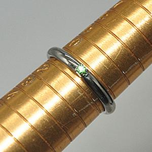 1.5克镶水晶戒指