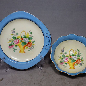 维多利亚时期粉彩花卉绘画餐具一套