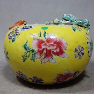 民国黄地粉彩花卉绘画福龙堆塑笔洗